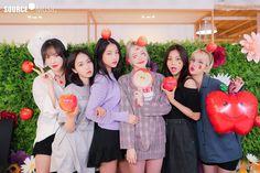 South Korean Girls, Korean Girl Groups, Cloud Dancer, G Friend, Kpop Groups, Ultra Violet, Geek Stuff, Bridesmaid Dresses, Music