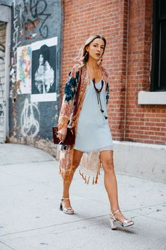 Street style à la Fashion Week printemps-été 2017 de New York : boho-chic http://spotpopfashion.com/d4av