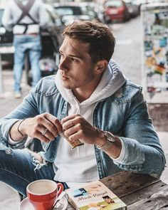 ― Konnyさん( 「Snack to go with coffee and my cereal bar by ☺. Modern Mens Fashion, Dope Fashion, Urban Fashion, Mens Attire, Mens Suits, Snack To Go, Good Morning Handsome, Bar Outfits, Its A Mans World