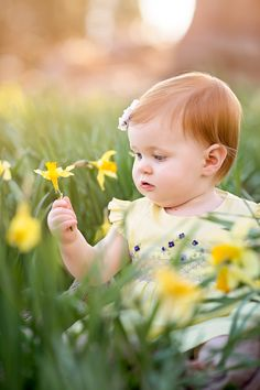 Natalie Buck Photography - Connecticut Newborn and Maternity Photographer. Baby Boy Photos, Baby Pictures, Spring Pictures, Easter Pictures, Family Pictures, Outdoor Baby Photography, Children Photography, Photography Ideas, Baby Face Nelson