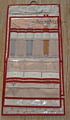 Fra mitt mønster Strikkepinnemapper i 2 størrelser Stor mappe har flere innvendige sider, som kan blaes i, som i en bok.