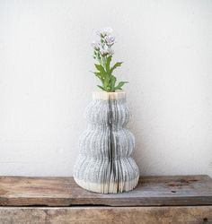 DIY, upcycling: book vase (tutorial in english and german)