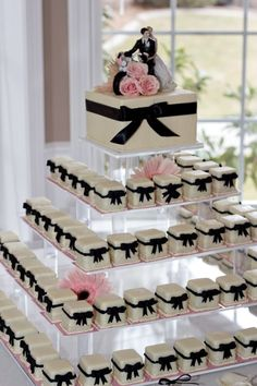 Cake Trend! Petit Fours from Marsells Cakes & Desserts | Apple Brides
