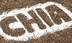 Let's talk about chia seeds. Now don't just think of those chia pets (which happen to make fabulous white elephant gifts). Think chia seeds and the health benefits of those little black seeds. Yes, they might be tiny but they are powerful little seeds. Chia Benefits, Health Benefits, Vitamin B17, Flat Belly Foods, Foods To Eat, Muesli, Omega 3, Chia Seeds, Health Diet