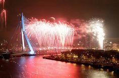 Rotterdam...Vuurwerkshow 2016/2017....prachtig...L.Loe