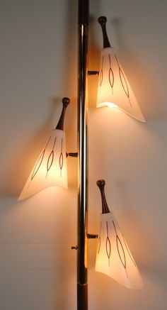 Nice bathroom light fixture loose only in shopy home design Mid Century Modern Lighting, Mid Century Modern Decor, Mid Century Modern Furniture, Mid Century Design, Home Design, Modern Interior Design, Chalet Design, Design Blogs, Design Ideas