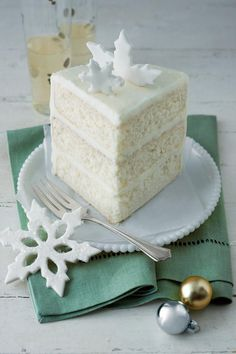 Billet's White Cake ~ We don't remember who Mrs. Billet is, but she's a cake-lover's best friend. Make her must-try white cake today. Food Cakes, Cupcake Cakes, Homemade White Cakes, Dessert Oreo, Cake Recipes, Dessert Recipes, Sweet Recipes, Frosting Recipes, Christmas Desserts