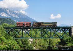 RailPictures.Net Photo: 664-115 Slovenian Railways G26HCW-2 at Jesenice, Slovenia by Niko Dolzan