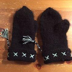 Lovikka vantar. Lovisa gloves, made of wool yarn, for my daughter Lovisa.