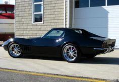 1975 Corvette, Corvette Summer, Chevrolet Corvette Stingray, Harley Road Glide, Classic Corvette, Chevy Muscle Cars, Ride 2, Hot Cars, Car Show