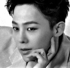 Seungri, Bigbang Yg, Bigbang G Dragon, Sing And Songwriter, G Dragon Cute, Namjin, Bigbang Wallpapers, Big Ban, Yoonmin