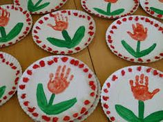 Handprint and footprint artwork ideas Crafts For Kids To Make, Diy Crafts To Sell, Projects For Kids, Easy Crafts, Art For Kids, Arts And Crafts, Paper Crafts, Independence Day Activities, Independence Day Decoration
