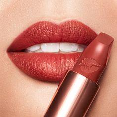 Red Lipstick Shades, Rose Lipstick, Lipstick Case, Red Lipsticks, Lipstick Gift Set, Charlotte Tilbury Matte Revolution, Lip Kit, Fantasy Makeup, Lip Liner