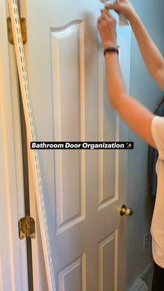 Home Organization Hacks, Bathroom Organization, Bathroom Storage, Small Bathroom, Bathroom Ideas, Master Bathroom, Door Organizer, Diy Crafts For Home Decor, Diy Furniture