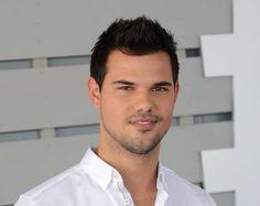 Taylor Lautner :)