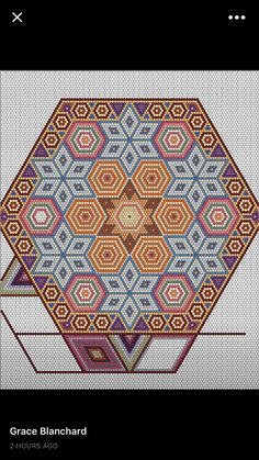 Facebook Hexagon Quilt Pattern, Quilt Block Patterns, Beading Patterns Free, Peyote Patterns, Clamshell Quilt, Unique Coloring Pages, Crochet Square Blanket, Paper Piecing Patterns, Arte Popular