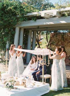 Super Ideas For Wedding Ceremony Modern Bridesmaid Dresses Iranian Wedding, Persian Wedding, Modern Bridesmaid Dresses, Wedding Dresses, Wedding Ceremony Backdrop, Wedding Ceremonies, Yosemite Wedding, Wedding Inspiration, Wedding Ideas