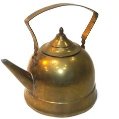 Vintage Signed G. Bredemeyer Brass Teapot Tea Kettle w/ Lid ($25) ❤ liked on Polyvore featuring home, kitchen & dining, teapots, brass teapot, brass tea pot, vintage tea pots, vintage brass teapot and vintage teapots
