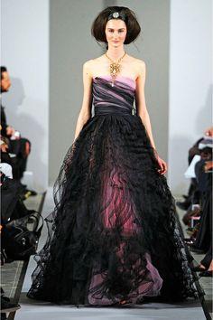black oscar de la renta dress