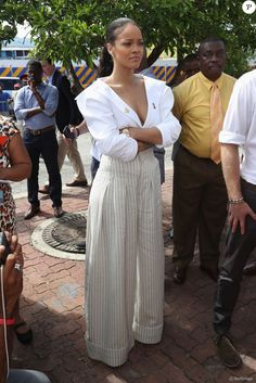 Le prince Harry et Rihanna font un test HIV ensemble au square des héros à Bridgetown, La Barbade le 1er décembre 2016.