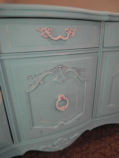 LOVE HOW THEY REFINISHED THIS.. PERFECT FOR THE SHABBY CHIC LOOK I WANT IN KENZERS ROOM