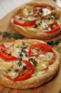 Easy Pizza Recipe: Tomato