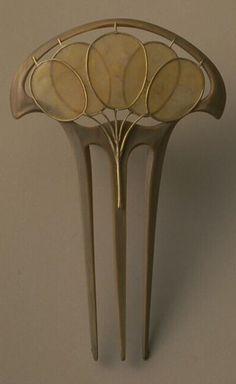 'Lunaria' comb, by Lucien Gaillard, Paris, 1912. #ArtNouveau #Gaillard #comb