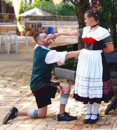 Ein Prosit - Festa do Alemão - Balihai Içara - Janeiro de 2018    Dançarinos Andrey Leffa e Karen Araújo    Immerfroh Volkstanzgruppe Forquilhinha, Santa Catarina - Brasil