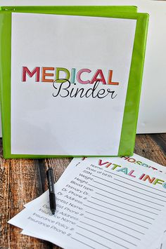 Super helpful Medical Binder with over 10 free printables to add to your family binder or to create a new binder. Do It Yourself Organization, Binder Organization, Organizing Papers, Organization Station, Organizing Ideas, Emergency Binder, In Case Of Emergency, Family Emergency, Emergency Planning
