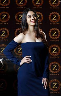 Indian Actress Hot Pics, Indian Bollywood Actress, Bollywood Girls, Beautiful Bollywood Actress, Bollywood Celebrities, Indian Actresses, Beautiful Girl Indian, Beautiful Girl Image, Most Beautiful Indian Actress