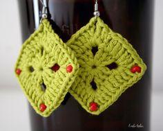 Organic fair-trade beaded earrings, dangle earrings, gift for her, handmade. door larbotriki op Etsy https://www.etsy.com/nl/listing/459857396/organic-fair-trade-beaded-earrings