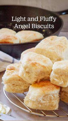 Easy Biscuits Recipe, Dessert Biscuits, Best Biscuit Recipe, Homemade Biscuits Recipe, Homemade Rolls, Best Bread Recipe, Easy Bread Recipes, Homemade Breads, Rolls Recipe
