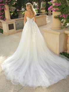 Strapless Tulle Ball Gown Wedding Dress on Kleinfeld Bridal How To Dress For A Wedding, Lace Wedding Dress, Classic Wedding Dress, Sexy Wedding Dresses, Unique Dresses, Lace Dress, Bohemian Wedding Gowns, Unique Wedding Gowns, Tulle Ball Gown