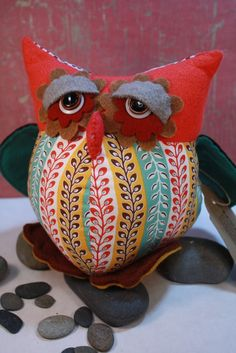 Heavy lidded owl ~~ That's me somedays~