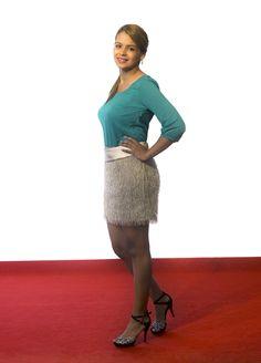 Cómodo, totalmente a la moda y precioso. Así es este vestido, falda con flecos que le da movimiento y volumen y top ajustado que marca tu cuerpo.  #vestido #flecos