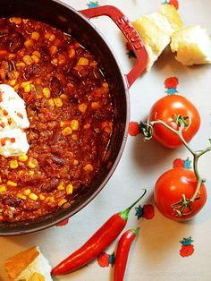 Rezept nach Jamie Oliver für ein herrliches, schön scharfes Chili. Getrocknete Tomaten, Zimt und Kreuzkümmel geben diesem Chili eine ganz besondere Note.