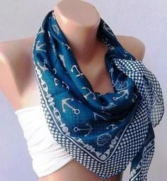 I'm not really a scarf gal, but I like/want this one.