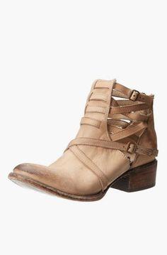 8544725d90615e Freebird Women s FB-Stair Boot Sneaker Boots