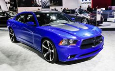 2013-dodge-charger-daytona-front-three-quarter