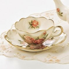 Such a pretty vintage Tea cup & saucer with; hand painted roses & delicate scalloped edges trimmed in gold!                                                                                                                                                      More