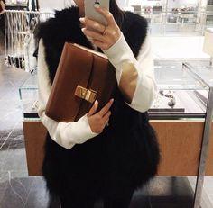 #designer #duchess #faux #fur #styling #stylist #fashion #streetfashion #streetstyle #onlineshop #london #manchester #dublin #ireland #canada #germany #munich #montreal #duchess #cambridge #chelsea #lookbook #adelaide #radelaide #australia #mbfw #fashionweek #hamptons #losangeles #lasvegas