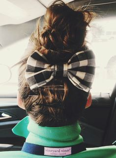 Gingham Comf: BizzyBCrafts, bows, preppy. navy and green, gingham, Vineyard Vines, top knot,  www.proverbsliving.org
