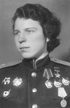 """Squadron Commander of the 46th """"Taman"""" Guards Night Bomber Aviation Regiment (also known as the Night Witches), Major Evdokia Andreyevna Nikulina (1917 - 1993)."""