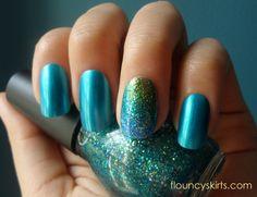 Glittery Mermaid manicure