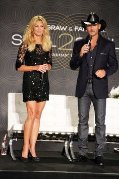 Faith Hill Photo - Faith Hill and Tim McGraw in Vegas