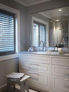 Hus Voksenkollen — Corniche Interior Design Bad Inspiration, Bathroom Inspiration, Laundry Room Bathroom, Bathrooms, Classic Bathroom, Sweet Home, Kitchen Cabinets, Interior Design, Home Decor