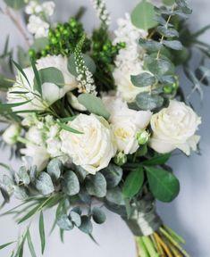 Green and white spring wedding bouquet by Rosewoodproductions.tumblr.com Peony, garden rose, hypericum, veronica, eucalyptus, ranunculus, etc. photo by Jessicakfeiden.com #weddingbouquets