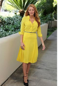 yellow cami dress - I am not sure about the color, but I like the dress. Timeless Fashion, Luxury Fashion, Black Lively, Blake Lively Family, Gossip Girl Outfits, Looks Chic, Mellow Yellow, Easy Wear, Lovely Dresses
