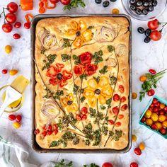 Art Du Pain, Easy Focaccia Recipe, White Velvet Cakes, Pink Velvet, Bread Art, Sugar Cookies Recipe, Cake Recipes, Fondant Recipes, Fondant Tips