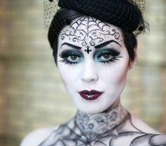 A fekete özvegy elegáns és rémisztő egyszerre. - Sminkek Halloween-ra